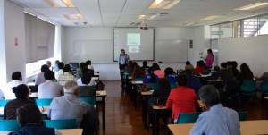 Gustavo Riofrío dando el taller de Políticas Públicas de Vivienda