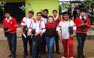 Promoción juvenil y contribución a la disminución de riesgos frente al cambio climático y desastres en Barrios de Lima Sur